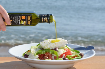 Recepty grecky salad s olivami maly